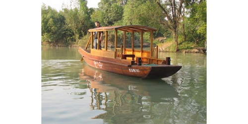 8米木质摇橹船照片